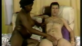 Becomes pregnant ebony milf Jamaika gets her crimson crushed in all placement
