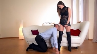 With sharon Lee enjoys to be the supervisor Her companion already knows any time