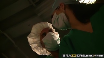 Brazzers - Doctor Adventures - Sexy Doctor Can take Benefit