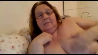 I consult with horny granny via msn and she shows me on the things she shared with me got