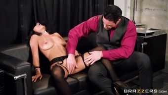 blindfolded anya ivy gets pussy handled and lips pecked