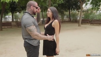 Gorgeous Julia onze Lucia possesses a shot fucking a inked adult man