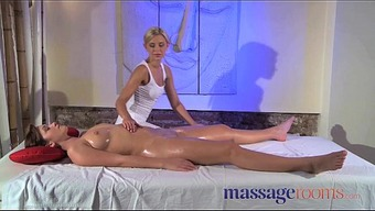 Rubdown Facilities Clit you can rub for her orgasm by using masseuse