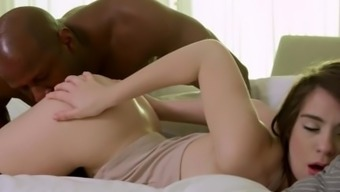 Genuine Blonde Youngster, Joseline Kelly, is an Anal Machine for Major Dark colored Penis