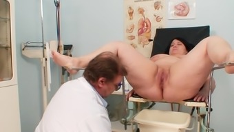 Packed gyno examination with the use of naughty age