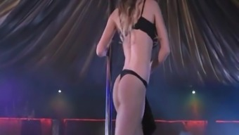 Viola Bailey Sizzling Striptease