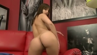 Bodacious dim haired girl tape on her first meeting