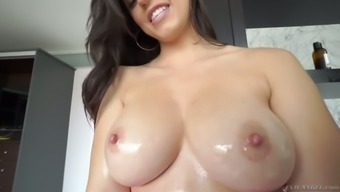 Gorgeous sexy Nekane is a awesome hottie who would really like to be fucked puppy