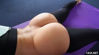 Major Round Booty Jada Stevens Takes Large Penis After Running