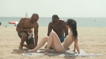 Slutty inked chick Alessa Savage holder with a couple of dark colored dudes