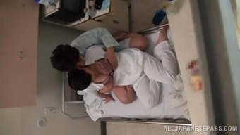 Kinky Busty Japanese people Look after Getting Fucked by Patient