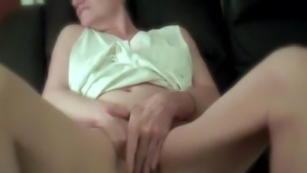 Knuckling My Clitoris for the Xhamster Buddies Completely free Porn df.f