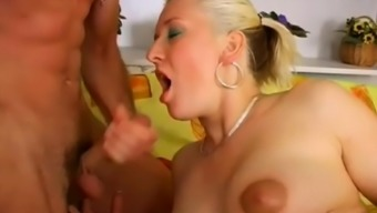 Gets pregnant Mother Gives Blowjob