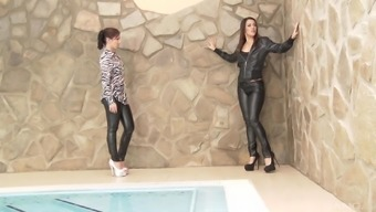 Amazing lesbian ass consuming with Samia Duarte and her pure honey