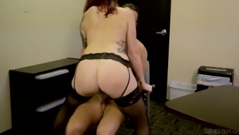 Scarlet haired paramour Yellow Ivy savours making love back with her Ex Guy