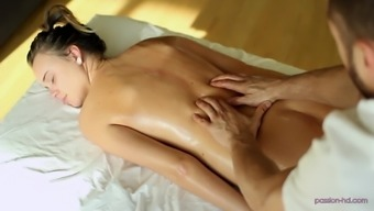 Steamy rubdown for Alexis Adams and some affectionate pussy bashing