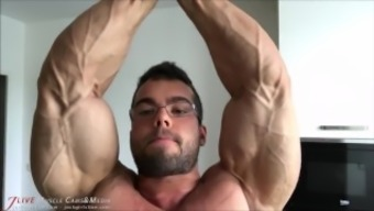 Musclebuilder Posing for Muscular Worship Sitting. Unfortunate - Wholly SFW.