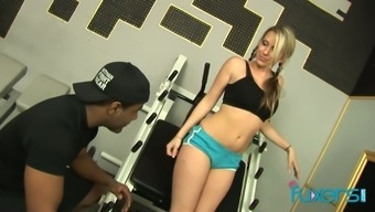 Event blond chick Cindy Starfall barbs on top of her navy fitness coach