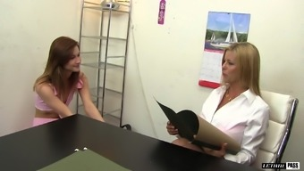 Alaina Dawson and Alexis Fawx finger all of the restricted holes