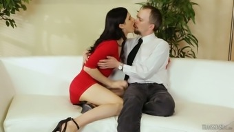 Tall shemale Stefani Special gives a blowjob and gets anus fucked