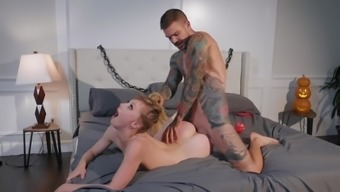 Fascinating hardcore encounter for naked Ivy Wolfe