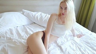 Step Sis Came to Live With Step Brother to Get Fucked