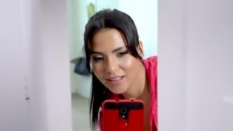 BANGBROS - Roze wijn Monroe Is typically a Naughty Latina Maid Along with Major Stupid ass and huge Tits