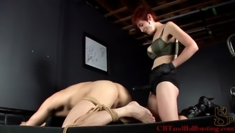 Twisted redheaded along with major fascinating boobs pegging a complete stranger