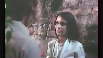 Classic French : Challenging Love (Jeunes filles perverses - 1975)