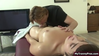 Trans alexa scout ass fucked by her bfs after massage