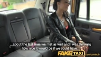 FakeTaxi Taxi driver gets blessed twofold by using super hot dame